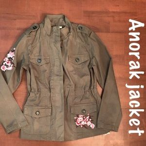 NWT Olive green/pink 🌸 embroidered Anorak Jacket